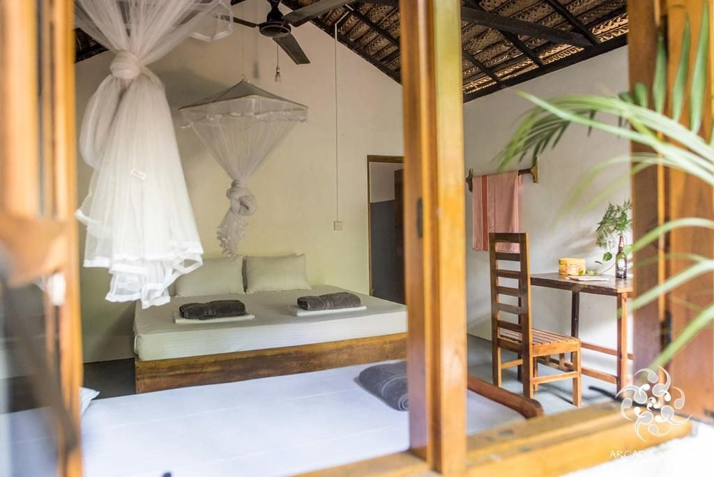 Room Double Single Family Arcadia Villa - TukTuk Rental - Where to stay in Arugam Bay - Hostel Hotel Accommodation Sri Lanka Hostel Hotel Restaurant
